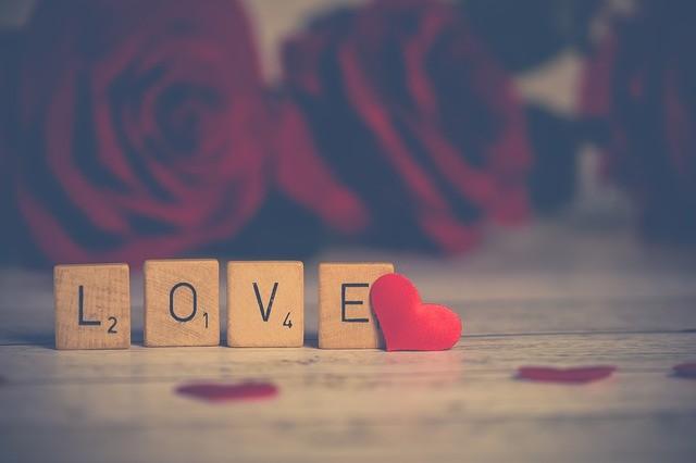love 3061483 640   The English Affair